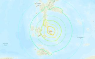 indonisia-seismos-7-3-vathmon-simeiothike-stis-moloykes-sto-anatoliko-tmima-tis-choras0