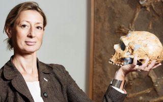«Ελπίζω να συνεχιστεί η έρευνα στην Ελλάδα», λέει στην «Κ» η διακεκριμένη παλαιοανθρωπολόγος Κατερίνα Χαρβάτη, που πριν από μερικές ημέρες δημοσίευσε έρευνα η οποία δείχνει ότι ένα κρανίο στη Μάνη είναι το αρχαιότερο δείγμα Homo sapiens στην Ευρώπη.