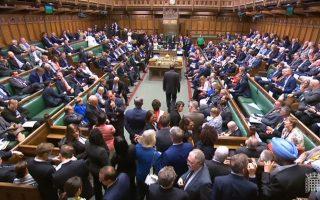 Η βρετανική Βουλή είπε «όχι» στην παράκαμψή της.