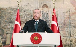 Ο Ταγίπ Ερντογάν, απευθυνόμενος εμμέσως σε Ε.Ε. και ΗΠΑ, ανέφερε πως δεν θα αποτρέψουν την Τουρκία «από τον δίκαιο σκοπό της».
