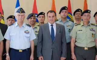 Ο υπουργός Εθνικής Αμυνας Νίκος Παναγιωτόπουλος επισκέφθηκε χθες την Ανώτατη Στρατιωτική Διοίκηση Εσωτερικού και Νήσων.