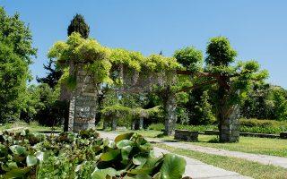 Ο «Βοτανικός Κήπος Ιουλίας και Αλεξάνδρου Ν. Διομήδους», 1,860 στρεμμάτων, είναι ο μεγαλύτερος της χώρας και της Ανατολικής Μεσογείου.