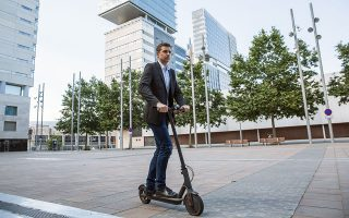 Στις Βρυξέλλες λειτουργούν έξι εταιρείες ενοικίασης με συνολικό στόλο 7.000 e-scooters. Από τον Σεπτέμβριο θα τεθούν αυστηρά όρια για τους χώρους όπου θα επιτρέπεται η στάθμευσή τους.