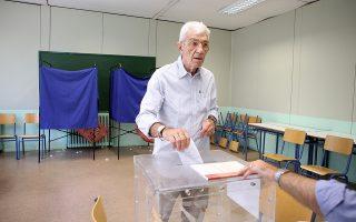 Ο Δήμαρχος Θεσσαλονίκης Γιάννης Μπουτάρης, ασκεί το εκλογικό του δικαίωμα για τις Βουλευτικές Εκλογές 2019, Θεσσαλονίκη, Κυριακή 7 Ιουλίου 2019. ΑΠΕ ΜΠΕ/PIXEL/ΜΠΑΡΜΠΑΡΟΥΣΗΣ ΣΩΤΗΡΗΣ