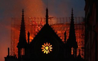 Η πυρκαγιά στην Παναγία των Παρισίων ξέσπασε στις 15 Απριλίου 2019, προκαλώντας μεγάλες καταστροφές στον ιστορικό ναό.