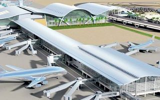 Τα τελευταία χρόνια, το μοναδικό μεγάλο έργο για το οποίο υπεγράφη σύμβαση ήταν το νέο αεροδρόμιο στο Καστέλλι, τη στιγμή που η συμβασιοποίηση του οδικού άξονα Πάτρας - Πύργου παραμένει ημιτελής, λόγω της εμπλοκής Καλογρίτσα αλλά και προσφυγών στο ΣτΕ από μικρότερες εταιρείες.