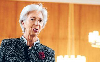 Οικονομολόγοι προεξοφλούν πως η Γαλλίδα πολιτικός πρόκειται να υλοποιήσει ένα νέο πρόγραμμα αγοράς ομολόγων (QE), προσδοκία η οποία επιτάχυνε χθες σε μεγάλο βαθμό την άνοδο των ευρωπαϊκών κρατικών τίτλων.