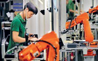 Οι εξαγωγές της Βόρειας Κορέας στην Κίνα, η οποία αποτελεί τον μεγαλύτερο εμπορικό εταίρο της, υποχώρησαν κατά 50% πέρυσι.