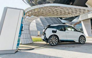 Προσφάτως λάνσαρε το πρώτο ηλεκτρικό Mini στις ΗΠΑ και στο προσεχές μέλλον θα παρουσιάσει και την ηλεκτρική έκδοση της BMW X3.