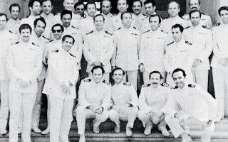 Τελευταία φωτογραφία των πρωταγωνιστών του κινήματος ως αξιωματικών, μετά την ανάκριση ενώπιον του συμβουλίου που τους απέταξε.