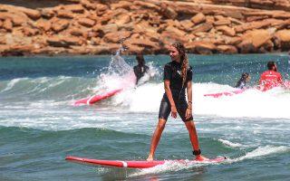 Οι ελληνικές θάλασσες είναι ιδανικές για αρχάριους surfers.