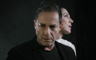 Ο Δημήτρης Λιγνάδης (Οιδίπους) και η Αμαλία Μουτούση (Ιοκάστη) στην εξαιρετικά σκηνοθετημένη από τον Κωνσταντίνο Μαρκουλάκη τραγωδία του Σοφοκλή «Οιδίπους Τύραννος». ΠΑΤΡΟΚΛΟΣ ΣΚΑΦΙΔΑΣ