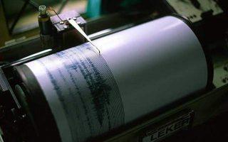 ti-lene-oi-seismologoi-gia-tin-ischyri-donisi-poy-eplixe-tin-attiki0