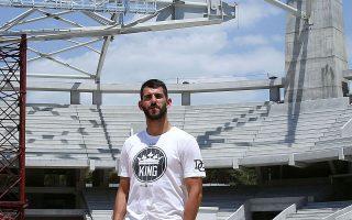 Στο υπό κατασκευήν γήπεδο της ΑΕΚ ξεναγήθηκε ο Νέλσον Ολιβέιρα.