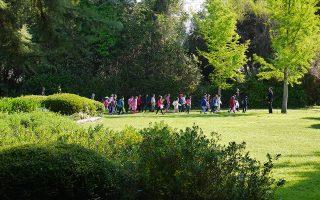 Ο Βοτανικός Κήπος φιλοξενεί περισσότερους από 100.000 επισκέπτες τον χρόνο, εκ των οποίων 50.000 είναι μόνο οι μαθητές.