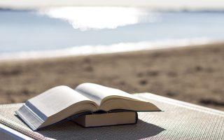 Προτείνουμε μυθιστορήματα που μας δίνουν τη δυνατότητα να «διαβάσουμε» τη ζωή του τελευταίου ενάμιση αιώνα στην Ευρώπη και στην Αμερική. SHUTTERSTOCK