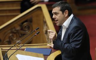 al-tsipras-dinete-liga-stoys-polloys-kai-polla-stoys-ligoys0