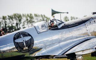 Το ανακατασκευασμένο Silver Spitfire πριν ξεκινήσει το ταξίδι του γύρω από τη Γη (Photo: Remy Steiner/Getty Images for IWC)