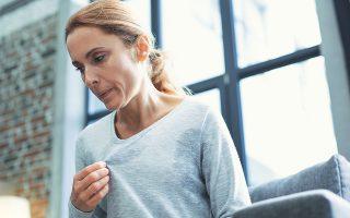 Οι γυναίκες που υποβάλλονται στη νέα ιατρική διαδικασία μπορούν να καθυστερήσουν την εμμηνόπαυση, εξοικονομώντας χρήματα στους δημόσιους φορείς από τη θεραπεία νοσημάτων που συνδέονται με αυτήν.