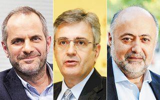 Αριστερά, ο Κων. Ζούλας προτείνεται για τη θέση του προέδρου. Στο κέντρο, ο Γ. Γαμπρίτσος προτείνεται για τη θέση του διευθύνοντος συμβούλου. Δεξιά, ο Δημ. Τσιόδρας, νέος διευθυντής γραφείου Τύπου του πρωθυπουργού.