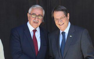 Μετά τη συνάντηση με τον κ. Ακιντζί, ο κ. Αναστασιάδης τόνισε ότι, «προκειμένου να δημιουργηθεί κατάλληλο κλίμα, απαιτείται όχι απλώς ως αποκλιμάκωση αλλά τερματισμός των ενεργειών της Τουρκίας».