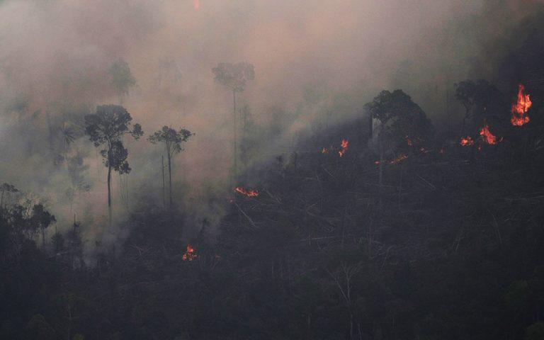 Ο Μπολσονάρου κατηγορεί τον Μακρόν και τις χώρες που θέλουν να βοηθήσουν στην προστασία του Αμαζονίου