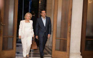 i-nd-gia-tin-synantisi-tsipra-amp-8211-thanoy-oi-maskes-epesan0