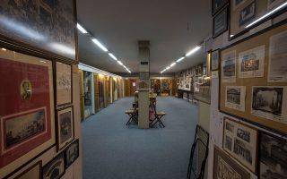 Το πρώτο πρόβλημα αφορά τη στέγαση των υφιστάμενων συλλογών του μουσείου και της θεατρικής βιβλιοθήκης, που σήμερα φυλάσσονται σε χώρο της ΕΡΤ.