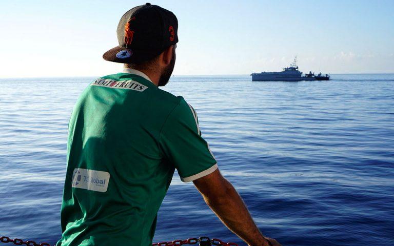 Το πλοίο Open Arms ανακοίνωσε ότι δεν μπορεί να αποβιβάσει τους μετανάστες στην Ισπανία