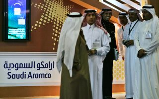 H Αramco έχει ανακοινώσει πως θα πωλήσει το 5% των μετοχών της και επιθυμεί να αντλήσει 100 δισ. δολάρια.