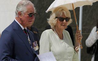 Britain's Prince Charles and his wife Camilla, Duchess of Cornwall visit the Commonwealth War Graves in Athens, Greece, May 10, 2018. Ο Πρίγκιπας της Ουαλίας Κάρολος και η Δούκισσα της Κορνουάλης Καμίλα  επισκέφτηκαν  το Συμμαχικό Στρατιωτικό Κοιμητήριο όπου ο Πρίγκιπας κατέθεσε  στεφάνι, την Πέμπτη 10 Μαΐου 2018. Ο Πρίγκιπας και η Δούκισσα επισκέπτονται την Ελλάδα ύστερα από πρόσκληση του Προέδρου της Δημοκρατίας Προκόπη Παυλόπουλου. REUTERS/REUTERS/POOL/ COSTAS BALTAS