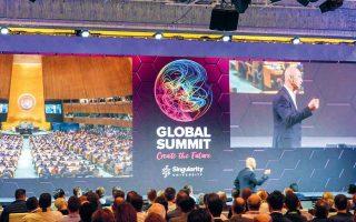 Οι οργανωτές του τριήμερου Singularity Global Summit θεωρούν ότι, χάρη στην τεχνολογία, ζούμε στην καλύτερη εποχή της ιστορίας της ανθρωπότητας.