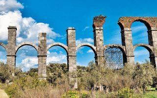 Το ρωμαϊκό υδραγωγείο της Μόριας είναι ένα από τα σημαντικότερα τεχνικά έργα, το μεγαλύτερο σε έκταση και ίσως το ωφελιμότερο που έγινε στην αρχαιότητα στη Λέσβο. Είναι έργο πιθανώς του τέλους του 2ου ή των αρχών του 3ου μ.Χ. αιώνα.