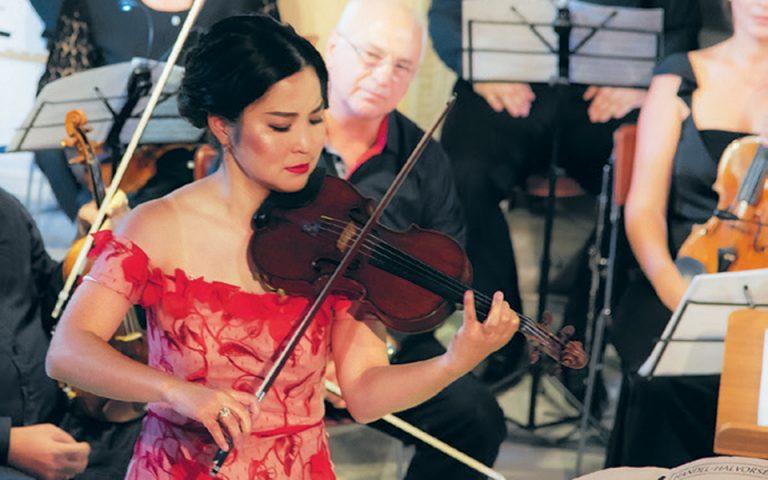 Η Μαγιούκο Κάμιο παρουσίασε το 1ο Κοντσέρτο του Μπρουχ για βιολί.