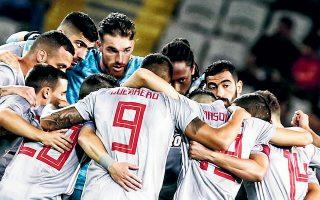 Με το 1-0 του πρώτου ματς παρακαταθήκη και με τον κόσμο στο πλευρό τους, οι «ερυθρόλευκοι» καλούνται να «σφραγίσουν» την πρόκριση στα πλέι οφ.