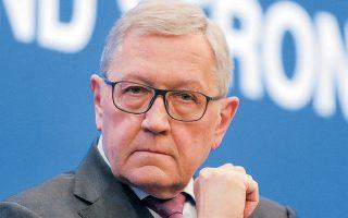 Ο επικεφαλής του ESM, Κλάους Ρέγκλινγκ (φωτ.), δήλωσε πρόσφατα σε συνέντευξή του πως αναμένει ότι η νέα κυβέρνηση θα προχωρήσει στο σχετικό αίτημα, επαναλαμβάνοντας πως είναι προς το συμφέρον όχι μόνο της Ελλάδας αλλά και των δανειστών να αποπληρωθεί χρέος που είναι ιδιαίτερα ακριβό.