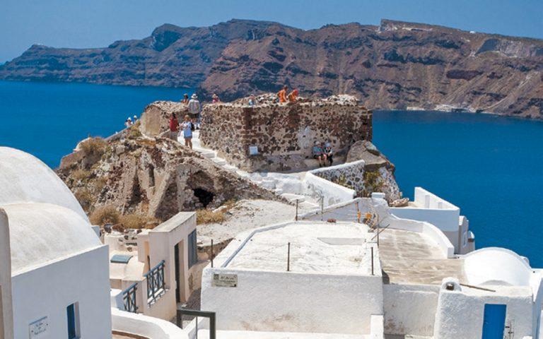 Μείωση τιμών στα ξενοδοχεία σε Σαντορίνη, Μύκονο, Αθήνα