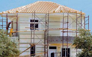 Η επικείμενη αναστολή του ΦΠΑ 24% στις αγορές νεόδμητων κατοικιών θα βοηθήσει στην απορρόφηση του υφιστάμενου αποθέματος απούλητων ακινήτων.