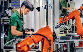 Η παραγωγή χάλυβα υποχώρησε για δεύτερο μήνα, ενώ η παραγωγή αυτοκινήτων εξακολουθεί να μειώνεται με διψήφιο ποσοστό.