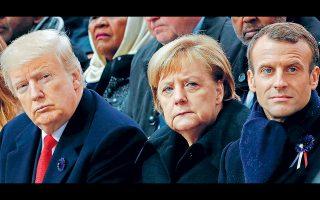 Οι επικεφαλής των μεγάλων κεντρικών τραπεζών συναντώνται από αύριο στο ετήσιο συνέδριο της αμερικανικής Ομοσπονδιακής Τράπεζας στο Γουαϊόμινγκ των ΗΠΑ. Παράλληλα, οι ηγέτες της ομάδας των επτά (G7) πιο ανεπτυγμένων οικονομιών θα συναντηθούν το Σαββατοκύριακο στο γαλλικό θέρετρο του Μπιαρίτζ προσπαθώντας να βρουν κοινό τόπο σε θέματα εμπορίου και φορολογίας των ψηφιακών επιχειρήσεων, με τις προσδοκίες να είναι μικρές. Στη φωτογραφία, ο Αμερικανός πρόεδρος Ντ. Τραμπ, η Γερμανίδα καγκελάριος Αγκελα Μέρκελ και ο Γάλλος πρόεδρος Εμ. Μακρόν σε παλαιότερη σύνοδο του G7.