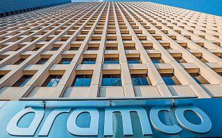 Το α΄ εξάμηνο του 2019 τα καθαρά κέρδη της Aramco μειώθηκαν 12%, στα 46,9 δισ. δολ. από 53 δισ. πέρυσι.