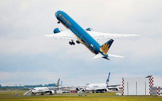 Οι παραδόσεις αεροσκαφών της Boeing μέχρι και τον Ιούλιο μειώθηκαν κατά 38% σε ετήσια βάση.