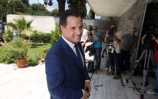 """«Ο Μητσοτάκης κέρδισε τις εκλογές λέγοντας """"ψηφίστε με για να επιταχυνθούν οι ιδιωτικοποιήσεις, για να πάρει μπρος η οικονομία, για να επιταχυνθούν οι μεταρρυθμίσεις""""», λέει ο υπουργός Ανάπτυξης και Επενδύσεων Αδωνις Γεωργιάδης."""