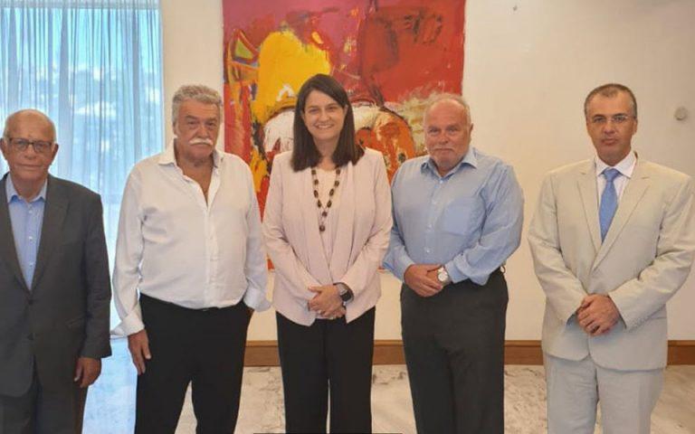 Συνάντηση της Υπουργού Παιδείας με το Προεδρείο του Κεντρικού Ισραηλιτικού Συμβουλίου Ελλάδος