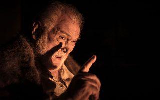 Ο Κώστας Καζάκος θα πρωταγωνιστήσει στη θεατρική μεταφορά του έπους του Λέοντος Τολστόι «Πόλεμος και ειρήνη», στο Δημοτικό Θέατρο Πειραιά.