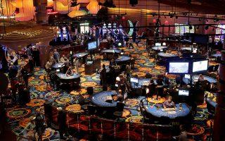 Το καζίνο στην έκταση του πρώην αεροδρομίου στο Ελληνικό θα διεκδικήσουν η ΓΕΚ ΤΕΡΝΑ μαζί με τον αμερικανικό όμιλο Mohegan Gaming & Entertainment (MGE) και η Intrakat από κοινού με τη Hard Rock Entertainment.