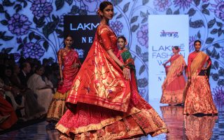 epa07788237 Models present creations by fashion brand store Gaurang during the Lakme Fashion Week (LFW) Winter/Festive 2019 in Mumbai, India, 23 August 2019. More than 75 designers are showcasing their collections at the event until 25 August.  EPA/DIVYAKANT SOLANKI
