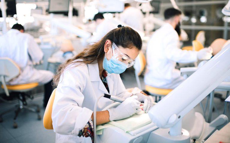 Σημείο αναφοράς» το πρώτο ακαδημαϊκό πρόγραμμα Οδοντιατρικής στην Κύπρο