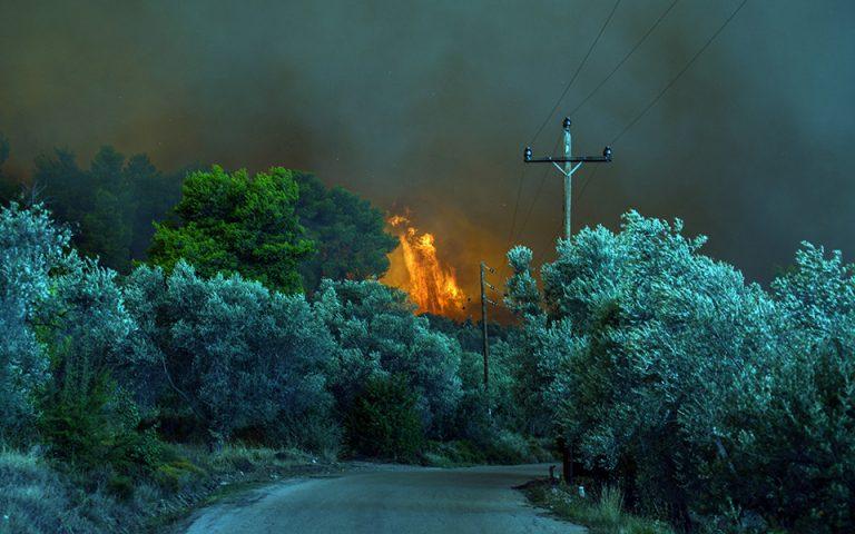 Πολύ υψηλός κίνδυνος πυρκαγιάς για αύριο σε Αττική και άλλες τέσσερις Περιφέρειες