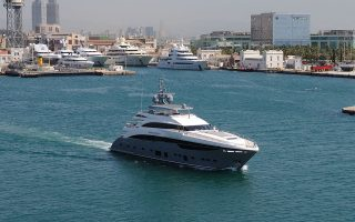 Είναι αξιοσημείωτο ότι η ίδια η Princess Yachts κατασκευάζει σχεδόν εξ ολοκλήρου όλα τα μοντέλα της.